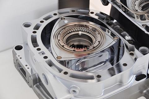 エンジン ロータリー ロータリーエンジンの圧縮率はエンジンオイルで決まる!