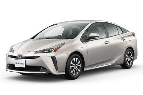 最も燃費のよいクルマは「プリウス」。国交省が2019年の「燃費の良い ...