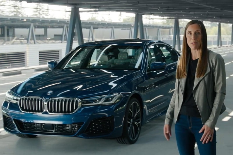BMW 5シリーズでデジタルキーのデモが行なわれた