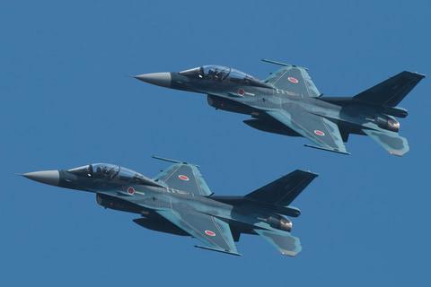 もてぎで航空自衛隊「F-2B戦闘機」がデモフライト 坂東代表は ...
