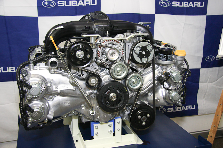 スバルの新世代水平対向エンジン「FB型」。写真は水平対向4気筒 DOHC...  スバルの新世代