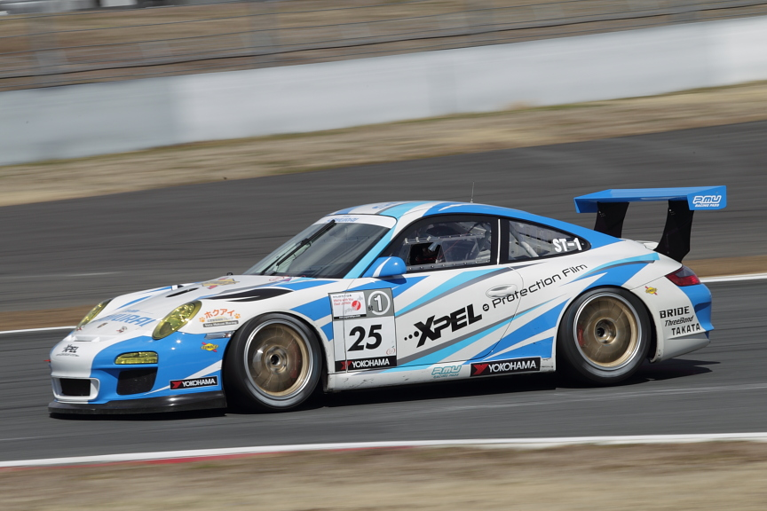 SAMURAI Porscheで土屋武士はチームオーナーとして嬉しい初優勝