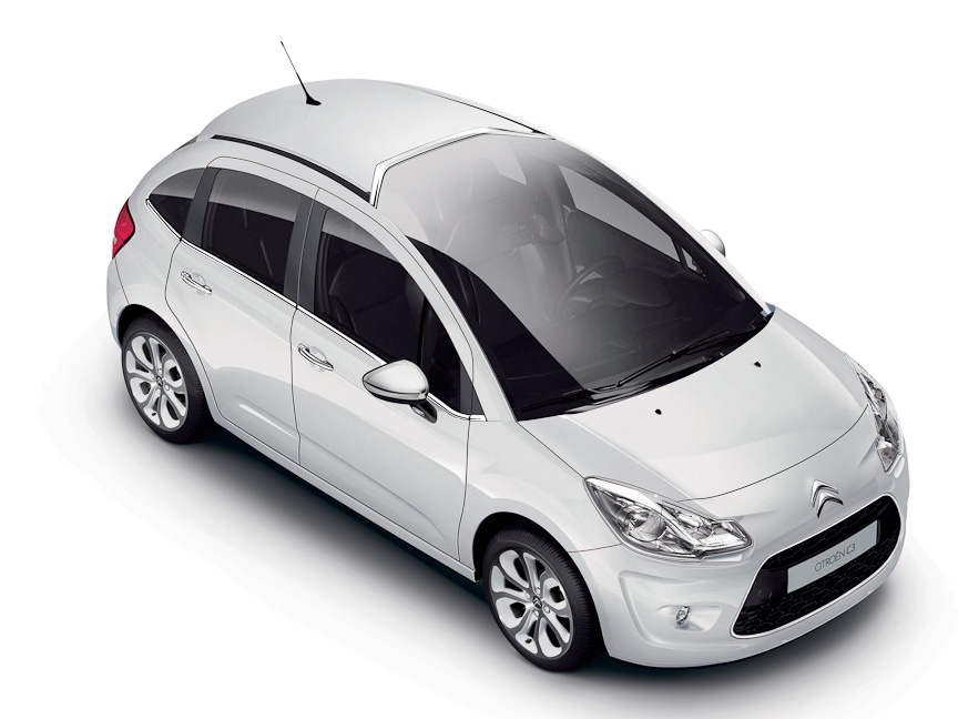 国産コンパクトカーが120万円なのに、大衆欧州車のコンパクトカーを200万以上出して買う人が多いらしい