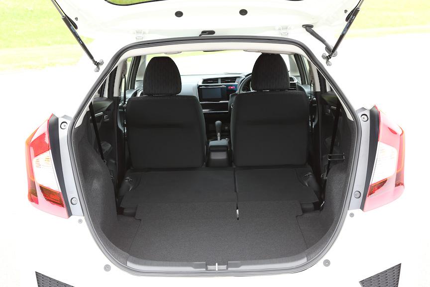 ホンダ「フィット」の新型車が公開される 9月発売予定 HVは36.4km/L、7速DCTを組み合わせる