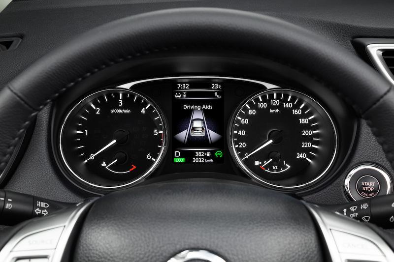 日産、SUV「エクストレイル」モデルチェンジ HV有 流線ボディ化 横幅広く より魅力的に進化