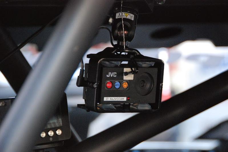GTマシンの車内に設置されるJVCケンウッドの専用開発車載カメラ