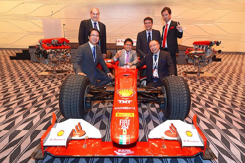 コーンズ・フェラーリ大阪ショールーム、世界でもっとも優秀なセールス活動を行ったディーラーに贈られる「トップ・ディーラー・オブ・ザ・イヤー」受賞