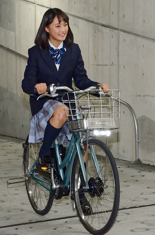 ... 自転車「アルベルトe」 #大友花