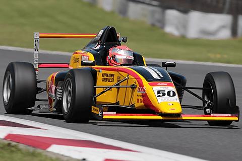 レーシングドライバー山田真之亮の「2015 FIA-F4参戦記」 - Car Watch