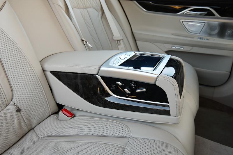 BMW・7シリーズの画像 p1_36