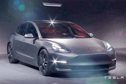 テスラモーターズは3月31日(現地時間)、新型のEV(電気自動車)「モデル  3」を初公開した。米国での価格は3万5000ドル(日本販売価格未定)となり、「モデル