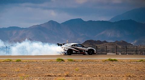 304.96km/hでのドリフトに成功した「GT,R」2016年モデル