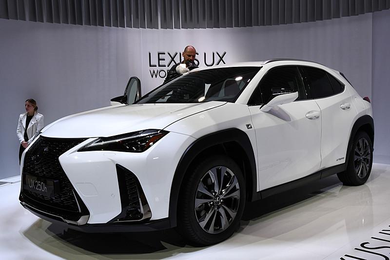 Lexus Nx Hybrid >> 【ジュネーブショー 2018】レクサス、新開発の2.0リッターハイブリッド採用の新型「UX」世界初公開。日本では ...