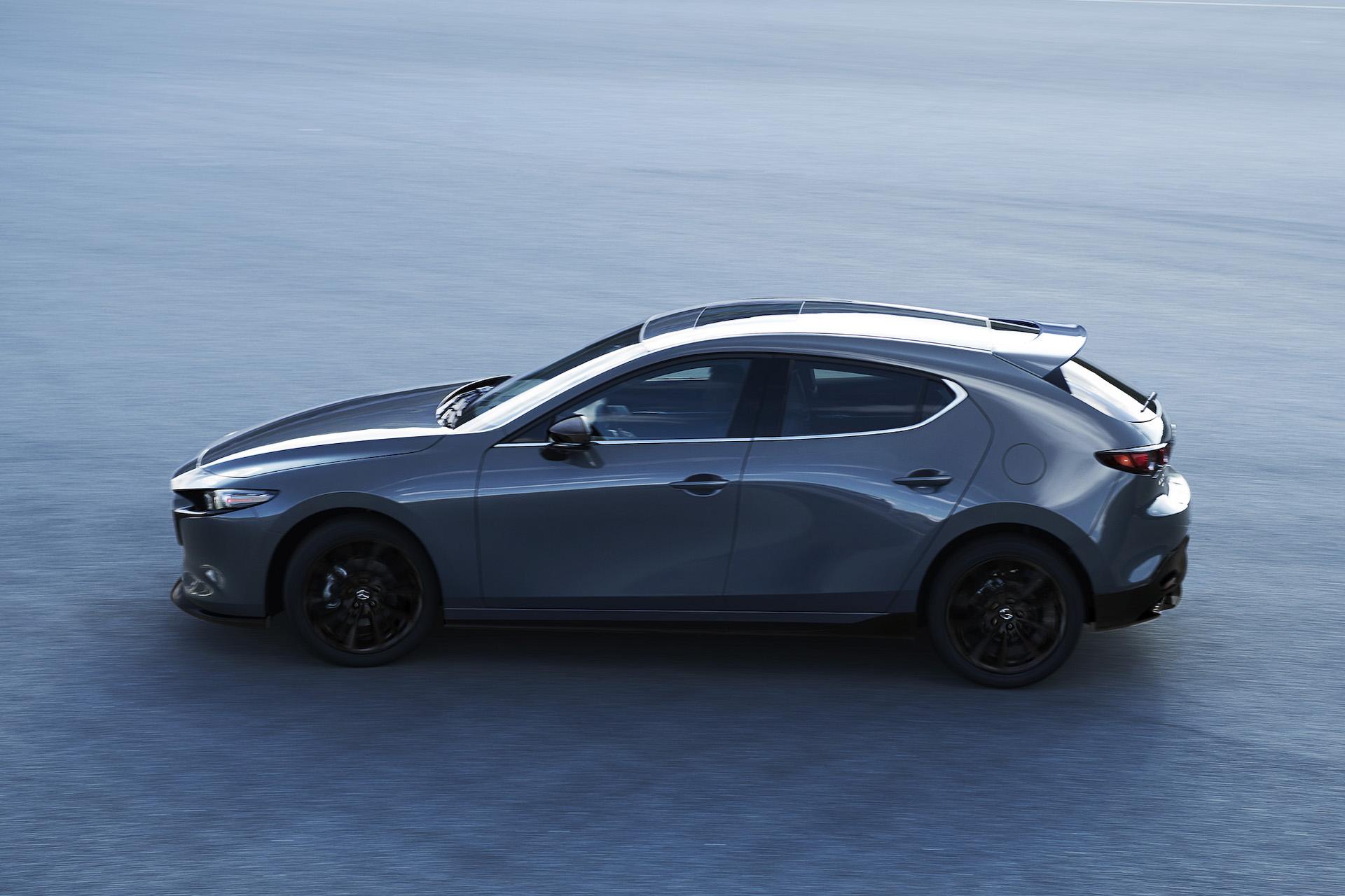 マツダ、新型「Mazda3」(用品装着車)を東京オートサロン2019で日本初公開