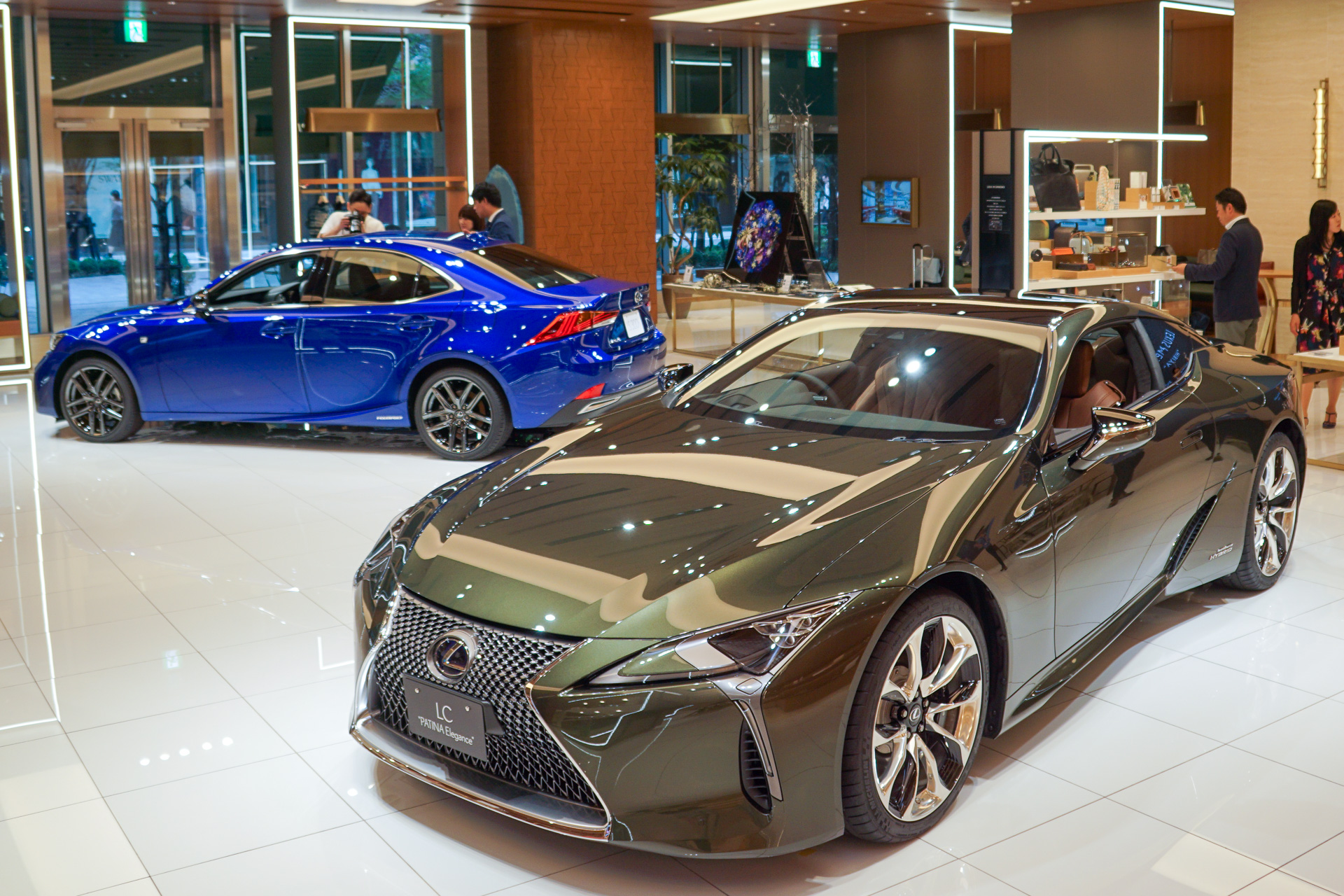 レクサス、特別仕様車IS\u201cI Blue\u201d/LC\u201cPATINA Elegance\u201dを「LEXUS